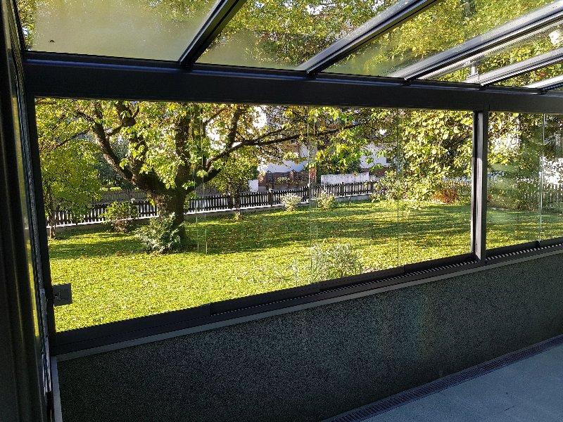 Fertigstellung eines Terrassendaches mit einer Wintergartenmarkise in Mittersill